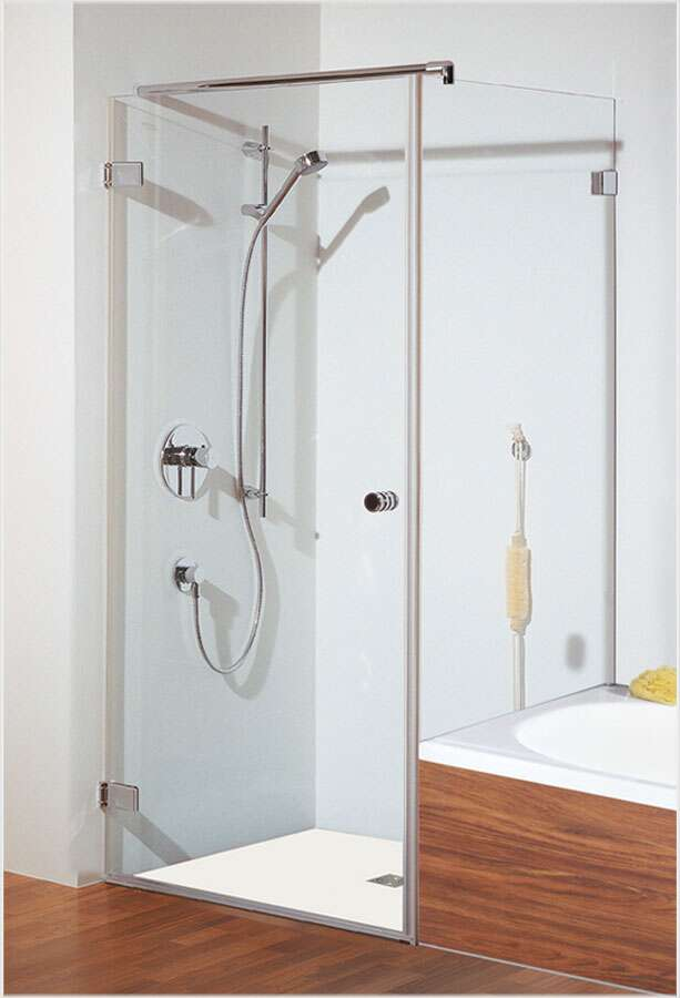 bauen badwanne mit glass die neueste innovation der innenarchitektur und m bel. Black Bedroom Furniture Sets. Home Design Ideas