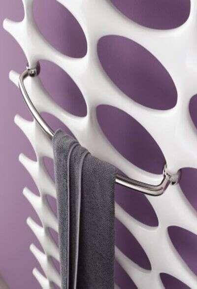 handtuchhalter f r heizk rper gibt es g nstig bei. Black Bedroom Furniture Sets. Home Design Ideas