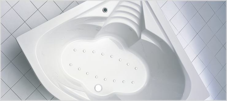 Whirlpoolsystem Typ 5 in Badewanne Cascade.