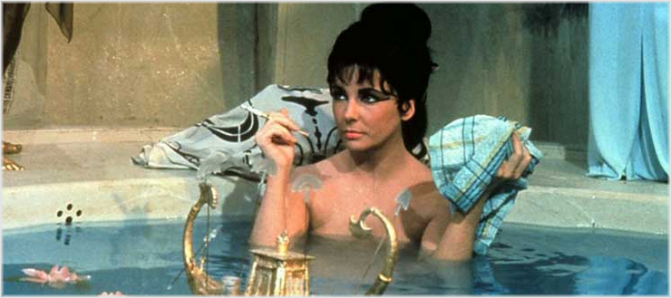 Elizabeth Taylor als Cleopatra im gleichnamigen Blockbuster von 1963 © Twentieth Century Fox Film Corporation MCL Films , SA Filme und Walwa S.A.