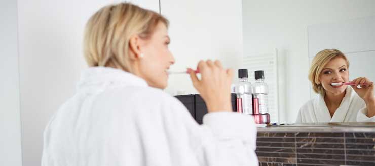 beim Zähneputzen Wasser sparen