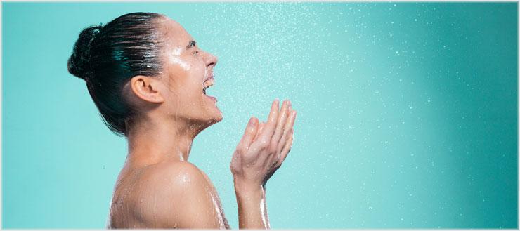 Kaltes Duschen verbessert Ihre Laune, Ihre Konzentration und fördert die Durchblutung.