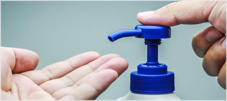 Wer regelmäßig seine Hände wäscht, vermeidet die Verbreitugn von Bakterien.