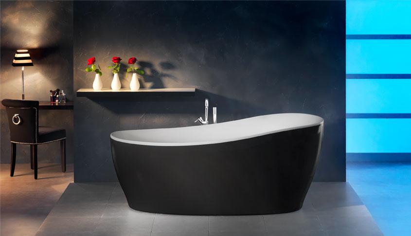"""Ob nun als einfache Badewanne oder mit integriertem Whirlpoolsystem: Das freistehende Luxusmodell """"Aviva"""" von Ottofond macht ordentlich was her."""