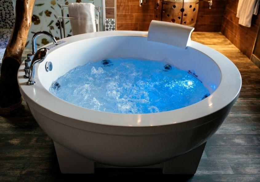 Den richtigen Indoor Whirlpool zu finden ist oftmals nicht einfach.