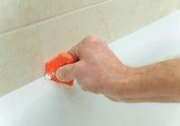 Mithilfe eines Fugenglätter, können Sie sauber die neue Fuge glatt ziehen.
